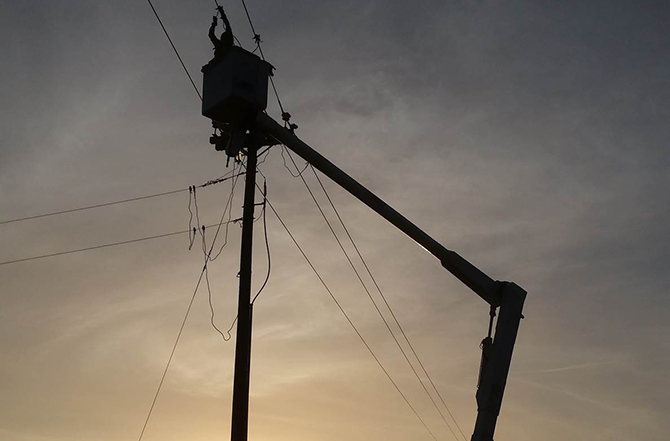 lineman sunrise1